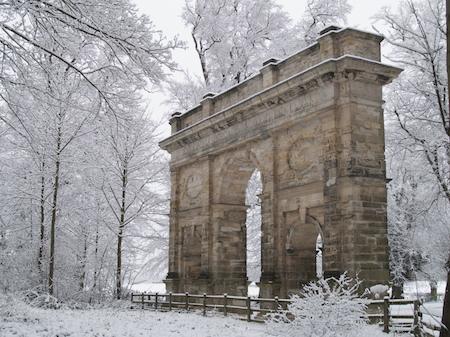triumphal_arch_snow.jpg